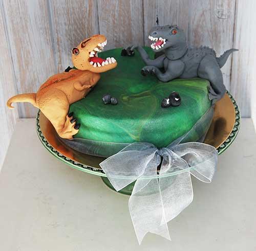 Bolo-dinossauros