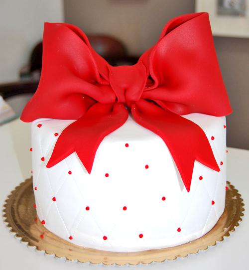 bolo-laço-vermelho-grande