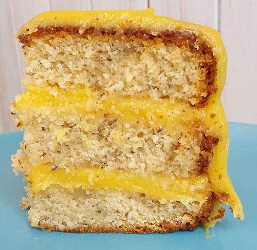 Bolo-de-Amendoa, com doce de ovos, aquela delicia consagrada!